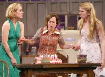 Sarah Paulson, Jennifer Dundas & Lily Rabe  in Crimes of the Heart